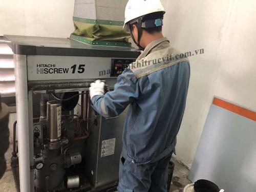 Khởi động lại máy nén khí Hitachi sau thời gian dài dừng máy